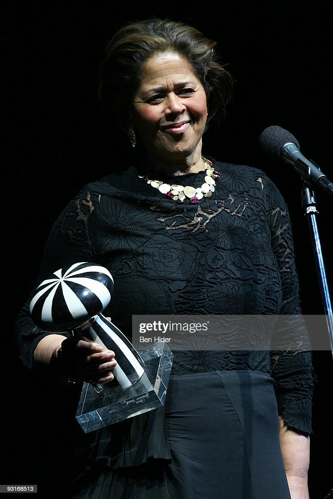 Actress <a gi-track='captionPersonalityLinkClicked' href=/galleries/search?phrase=Anna+Deavere+Smith&family=editorial&specificpeople=234428 ng-click='$event.stopPropagation()'>Anna Deavere Smith</a>, winner of the 2009 Moth Award, speaks at the 2009 Moth Ball at Capitale on November 17, 2009 in New York City.