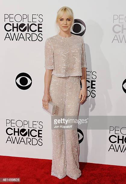 Actress Anna Faris arrives at The 40th Annual People's Choice Awards at Nokia Theatre LA Live on January 8 2014 in Los Angeles California