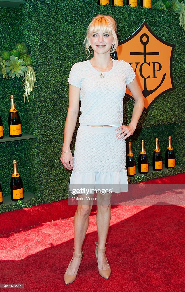 Actress Anna Faris arrives at the FifthAnnual Veuve Clicquot Polo Classic Los Angeles at Will Rogers State Historic Park on October 11 2014 in...