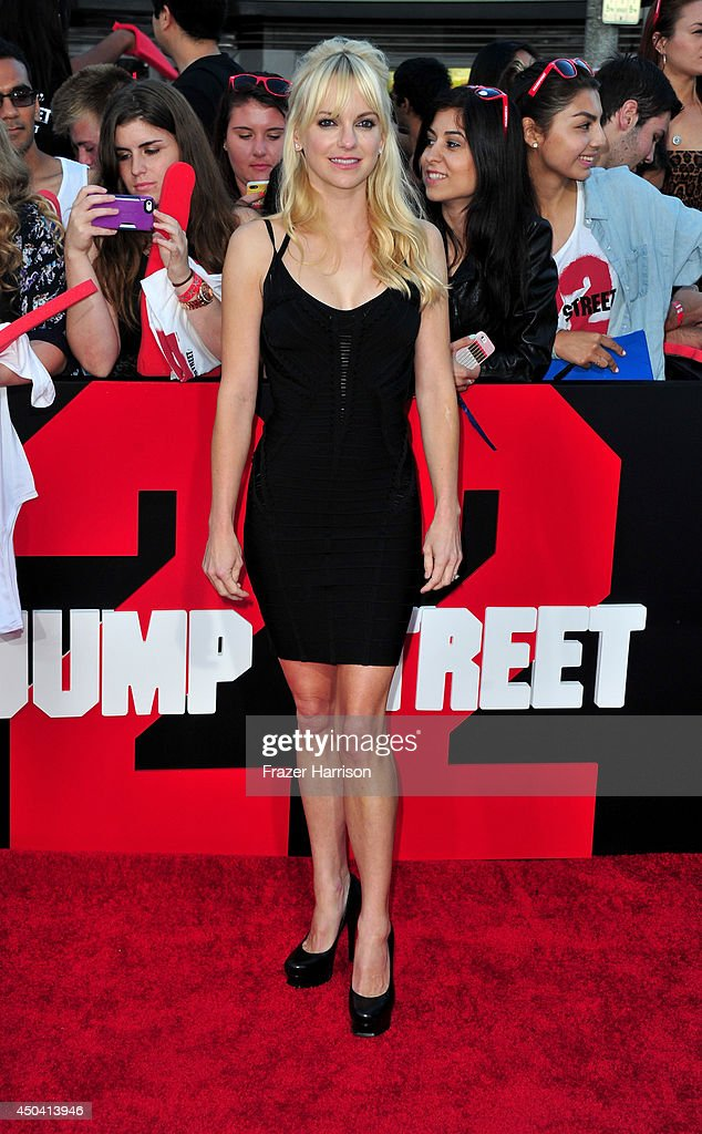 Actress Anna Faris arrives at the Premiere Of Columbia Pictures' '22 Jump Street' at Regency Village Theatre on June 10, 2014 in Westwood, California.