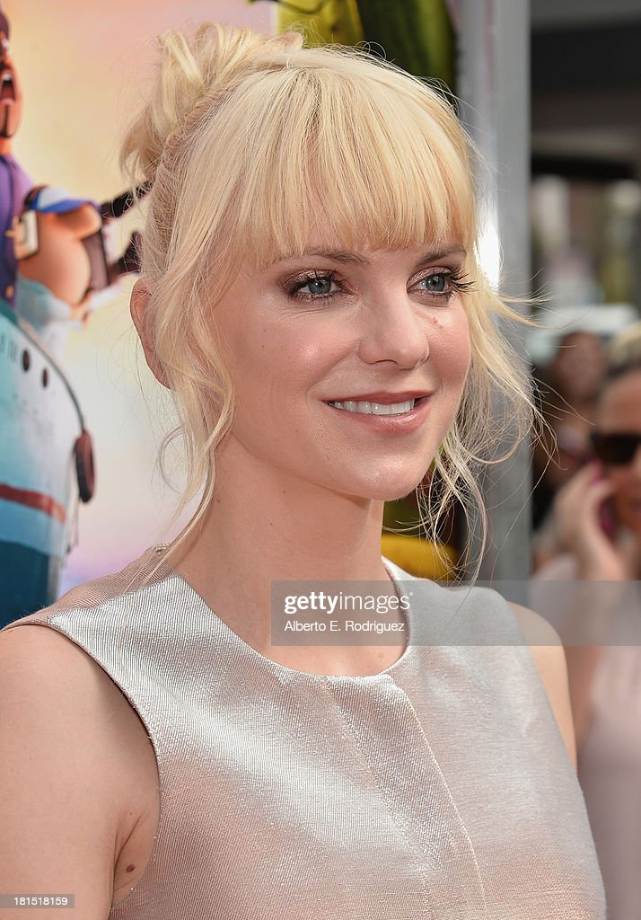 Actress Anna Faris arrives to the premiere of Columbia Pictures and Sony Pictures Animation's 'Cloudy With A Chance of Meatballs 2' at the Regency Village Theatre on September 21, 2013 in Westwood, California.