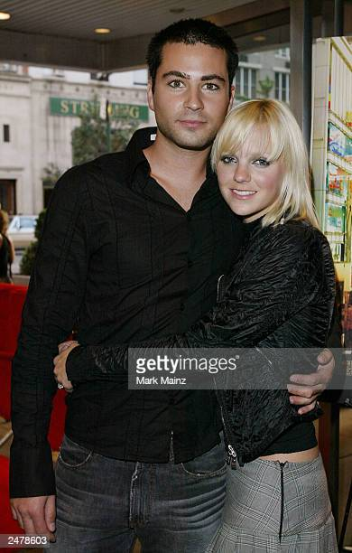 Actress Anna Faris arrives with boyfriend Ben Indra for the premiere of 'Lost in Translation' at the Chelsea West Theater September 9 2003 in New...