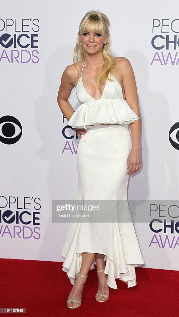 Actress Anna Faris attends the 2015 People's Choice Awards at the Nokia Theatre L.A. Live on January 7, 2015 in Los Angeles, California.