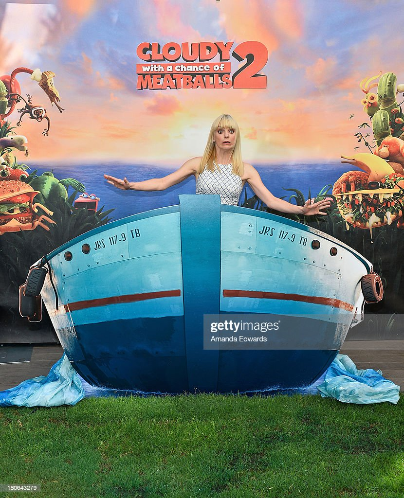 Actress <a gi-track='captionPersonalityLinkClicked' href=/galleries/search?phrase=Anna+Faris&family=editorial&specificpeople=213899 ng-click='$event.stopPropagation()'>Anna Faris</a> attends the 'Cloudy With A Chance Of Meatballs 2' - Los Angeles Photo Call at Four Seasons Hotel Los Angeles at Beverly Hills on September 15, 2013 in Beverly Hills, California.