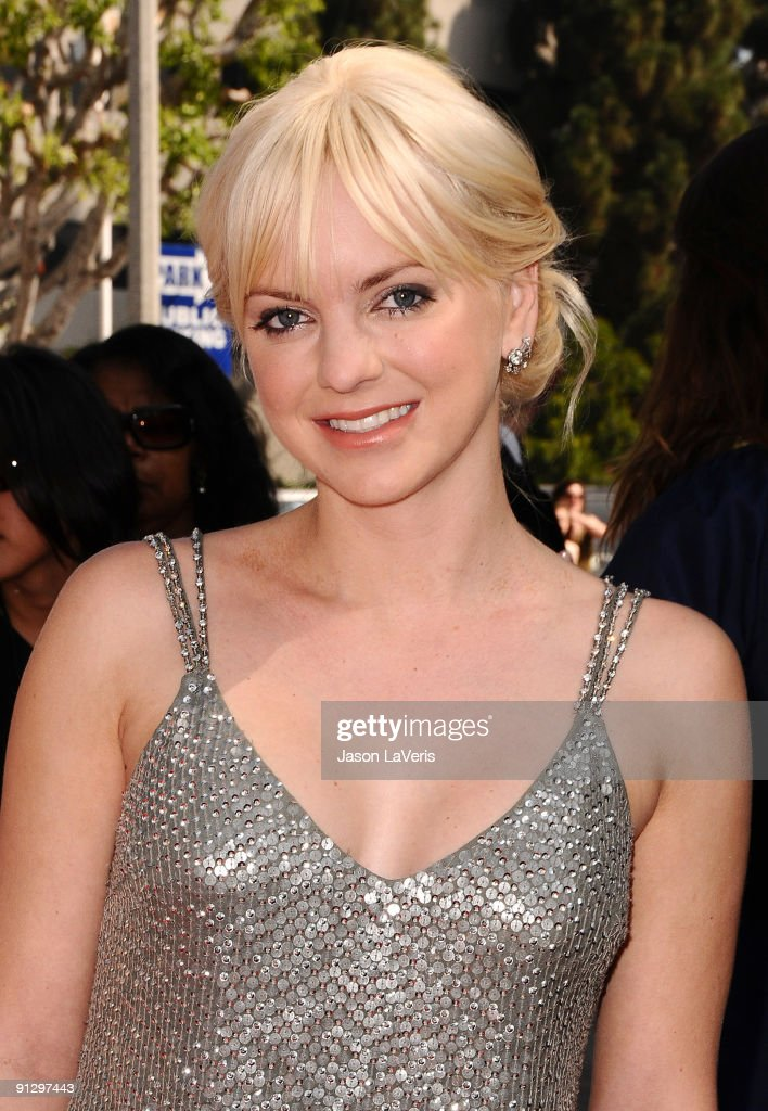 Actress Anna Faris attends the premiere of 'Cloudy With A Chance Of Meatballs' at Mann Village Theatre on September 12, 2009 in Westwood, Los Angeles, California.