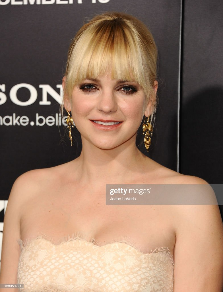 Actress Anna Faris attends the premiere of 'Zero Dark Thirty' at the Dolby Theatre on December 10, 2012 in Hollywood, California.