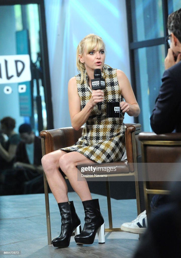 Actress Anna Faris visits Build to discuss her podcast 'Unqualified' at Build Studio on October 23, 2017 in New York City.