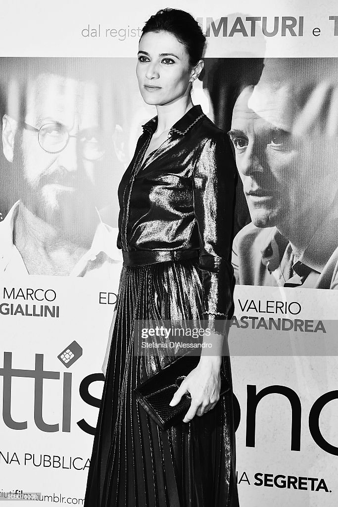 Actress Anna Foglietta attends 'Perfetti Sconosciuti' Premiere held at Odeon Cinema on February 8, 2016 in Milan, Italy.