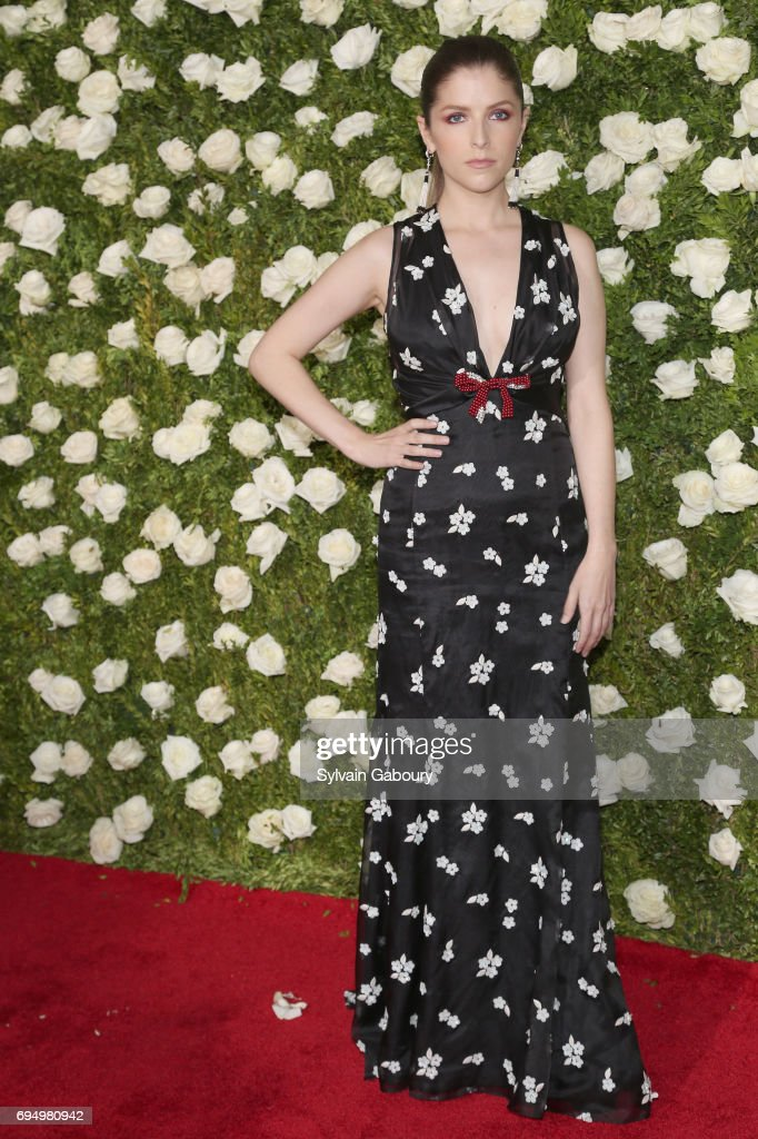 actress-anna-kendrick-attends-the-2017-tony-awards-at-radio-city-on-picture-id694980942