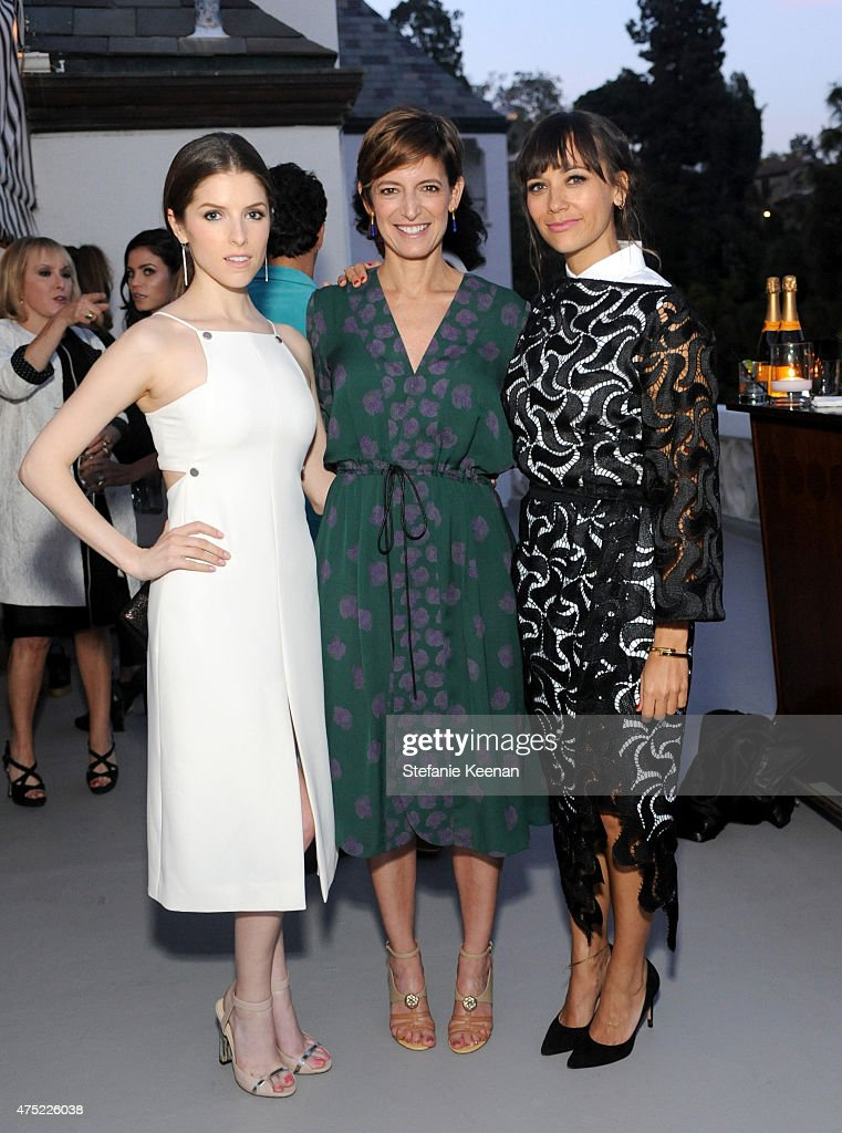 Actress Anna Kendrick, Glamour Editor-in-Chief Cindi Leive and actress Rashida Jones attend a dinner to celebrate Glamour's June Success Issue, hosted by Glamour Editor-in-Chief Cindi Leive & Maiyet Co-Founder Kristy Caylor at Chateau Marmont on May 29, 2015 in Los Angeles, California.