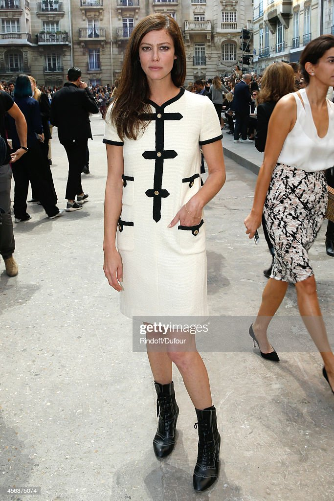 Actress <a gi-track='captionPersonalityLinkClicked' href=/galleries/search?phrase=Anna+Mouglalis&family=editorial&specificpeople=611934 ng-click='$event.stopPropagation()'>Anna Mouglalis</a> attends the Chanel show as part of the Paris Fashion Week Womenswear Spring/Summer 2015 on September 30, 2014 in Paris, France.