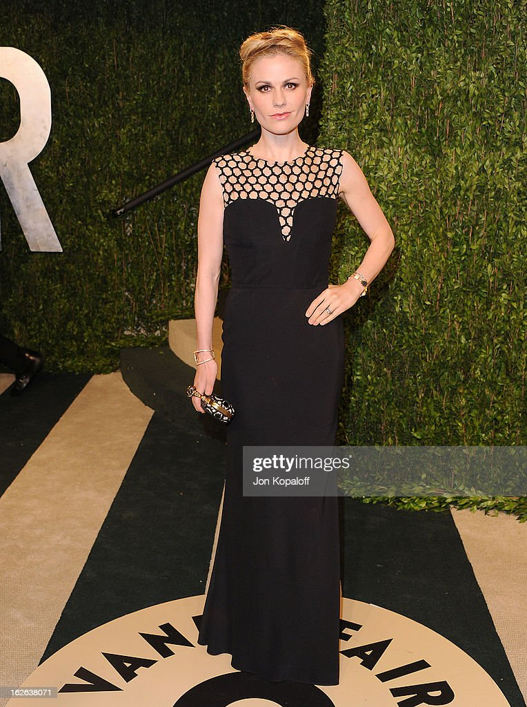 Actress Anna Paquin attends the 2013 Vanity Fair Oscar party at Sunset Tower on February 24, 2013 in West Hollywood, California.