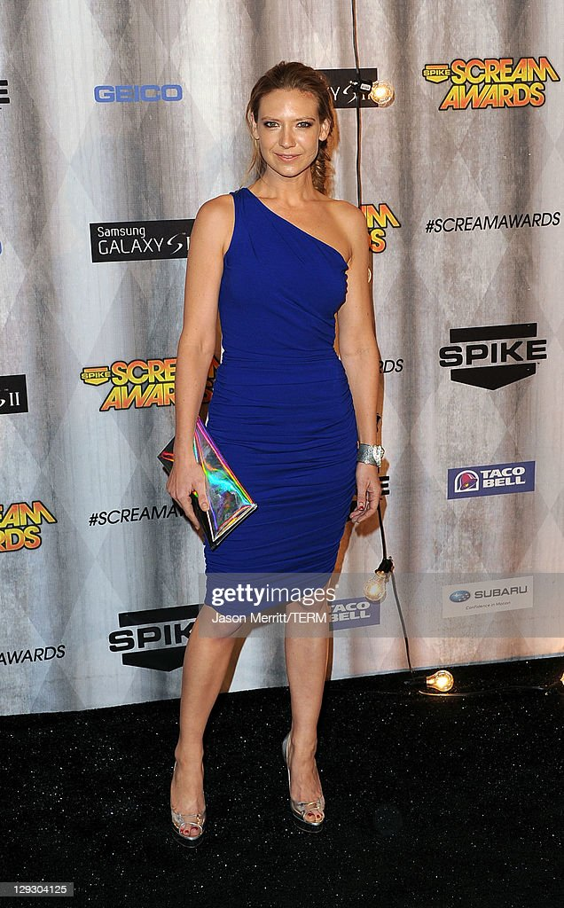 Actress Anna Torv arrives at Spike TV's 'SCREAM 2011' awards held at Universal Studios on October 15, 2011 in Universal City, California.