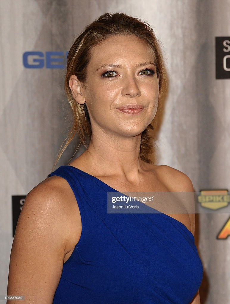 Actress Anna Torv attends Spike TV's 2011 Scream Awards at Gibson Amphitheatre on October 15, 2011 in Universal City, California.