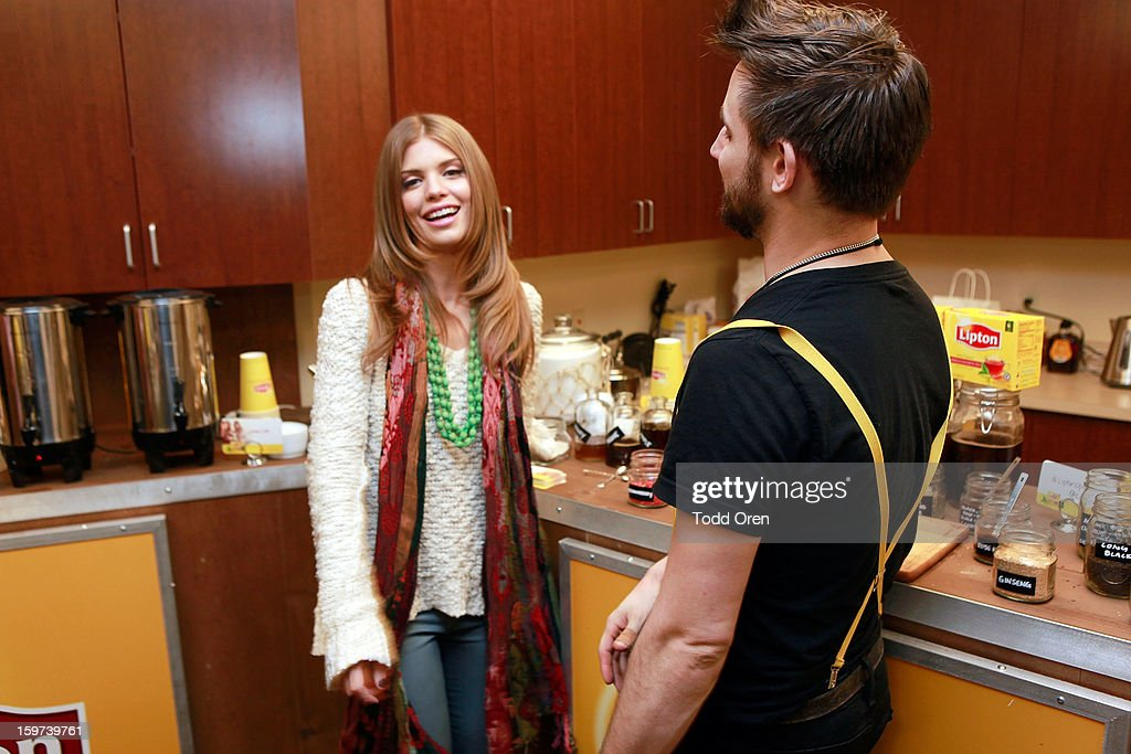 Actress AnnaLynne McCord (L) attends Day 2 of Sears Shop Your Way Digital Recharge Lounge on January 19, 2013 in Park City, Utah.