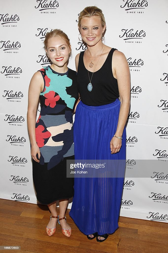 Actress <a gi-track='captionPersonalityLinkClicked' href=/galleries/search?phrase=AnnaSophia+Robb&family=editorial&specificpeople=674007 ng-click='$event.stopPropagation()'>AnnaSophia Robb</a> (L) and <a gi-track='captionPersonalityLinkClicked' href=/galleries/search?phrase=Amy+Smart&family=editorial&specificpeople=239532 ng-click='$event.stopPropagation()'>Amy Smart</a> attend Kiehl's launches environmental partnership benefiting recycle across America at Kiehl's Since 1851 Santa Monica Store on April 17, 2013 in Santa Monica, California.
