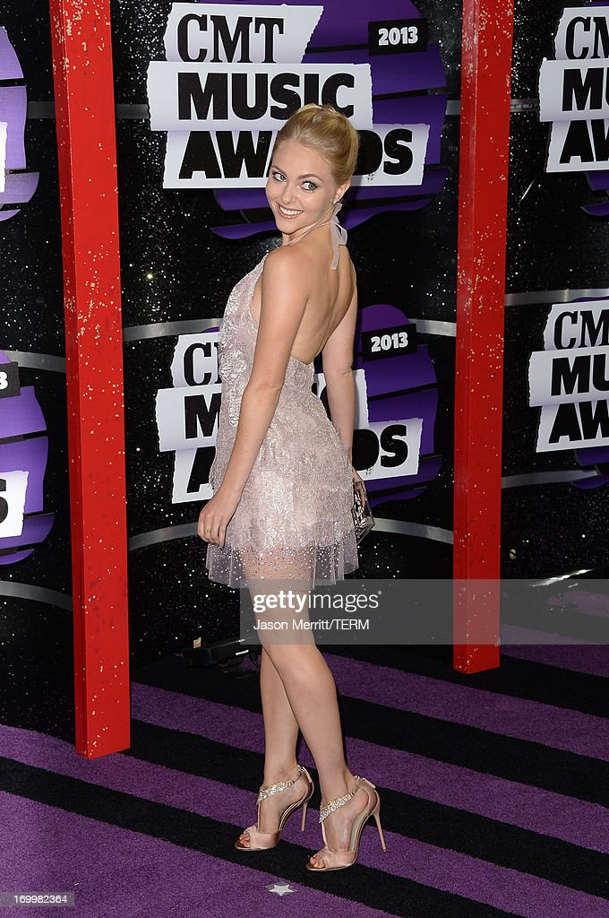 Actress AnnaSophia Robb attends the 2013 CMT Music awards at the Bridgestone Arena on June 5, 2013 in Nashville, Tennessee.