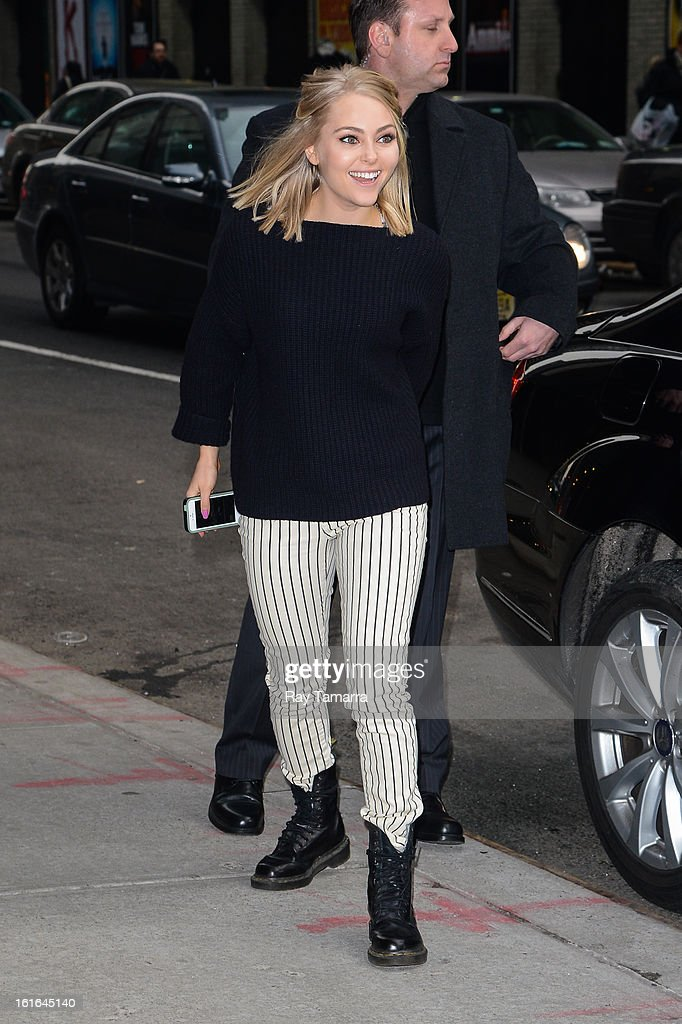 Actress <a gi-track='captionPersonalityLinkClicked' href=/galleries/search?phrase=AnnaSophia+Robb&family=editorial&specificpeople=674007 ng-click='$event.stopPropagation()'>AnnaSophia Robb</a> enters the 'Late Show With David Letterman' taping at the Ed Sullivan Theater on February 13, 2013 in New York City.