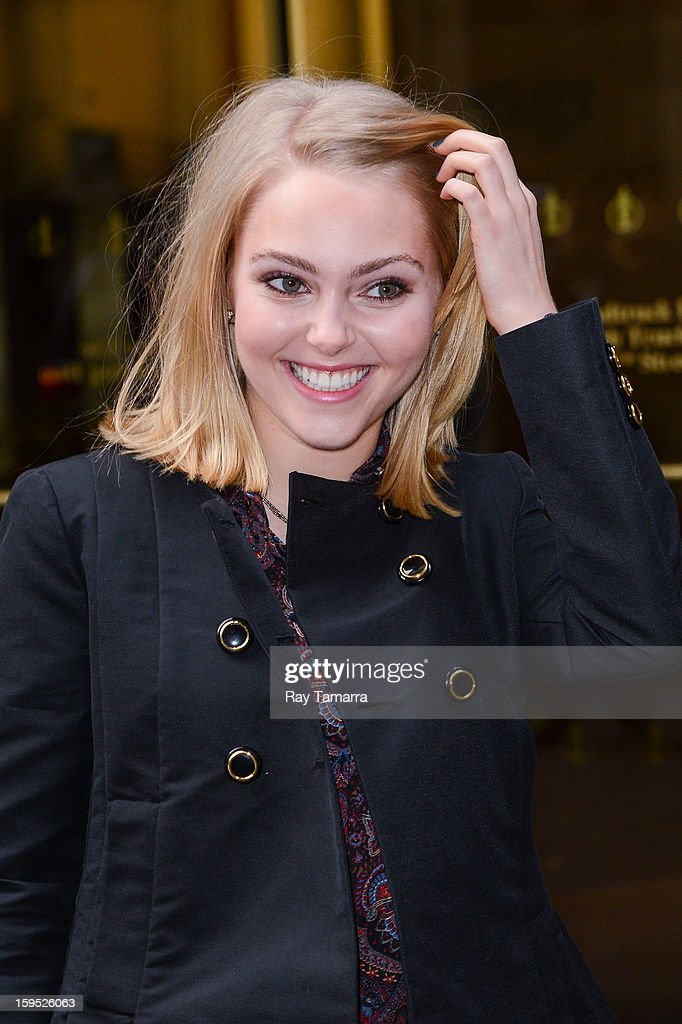 Actress AnnaSophia Robb leaves the Sirius XM Studios on January 14, 2013 in New York City.
