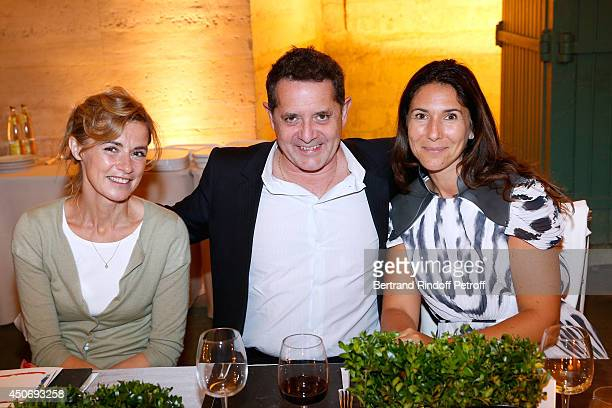 Actress Anne Consigny President of the Palais de Tokyo Jean de Loisy and Miss Philippe Journo attend the private tour and dinner of the Lee Ufan's...
