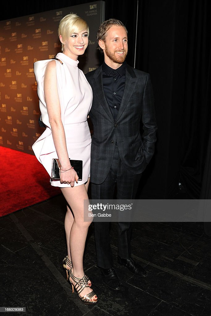 Actress Anne Hathaway and husband Adam Shulman attend the Tate Americas Foundation Artists Dinner at Skylight at Moynihan Station on May 8, 2013 in New York City.