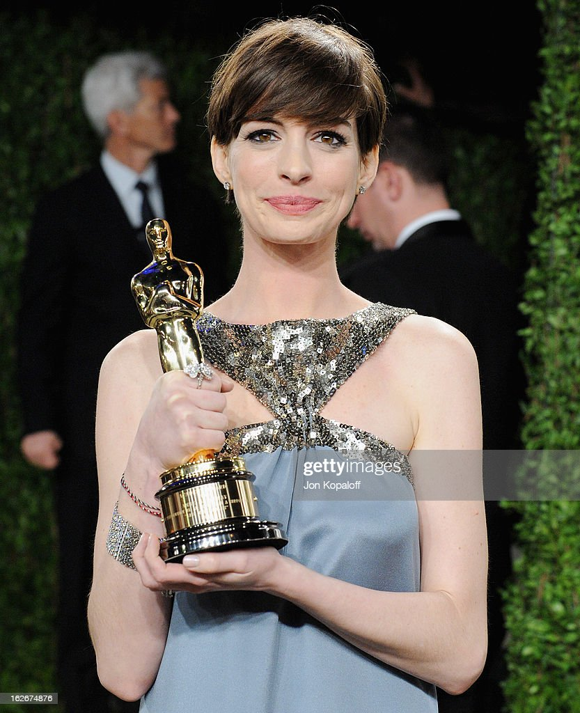 Actress Anne Hathaway arrives at the 2013 Vanity Fair Oscar Party at Sunset Tower on February 24, 2013 in West Hollywood, California.