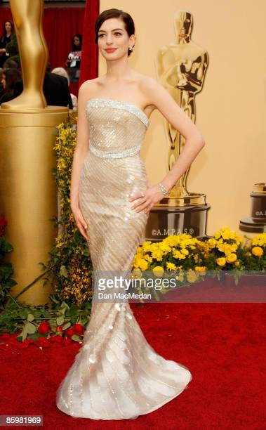 Actress Anne Hathaway arrives at the 81st Academy Awards at The Kodak Theatre on February 22 2009 in Hollywood California
