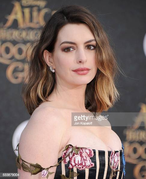 """Anne Hathaway Lob: Premiere Of Disney's """"Alice Through The Looking Glass"""