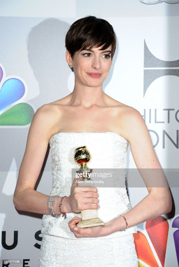 Actress <a gi-track='captionPersonalityLinkClicked' href=/galleries/search?phrase=Anne+Hathaway+-+Sk%C3%A5despelerska&family=editorial&specificpeople=11647173 ng-click='$event.stopPropagation()'>Anne Hathaway</a> arrives at the NBC Universal's 70th annual Golden Globe Awards after party on January 13, 2013 in Beverly Hills, California.