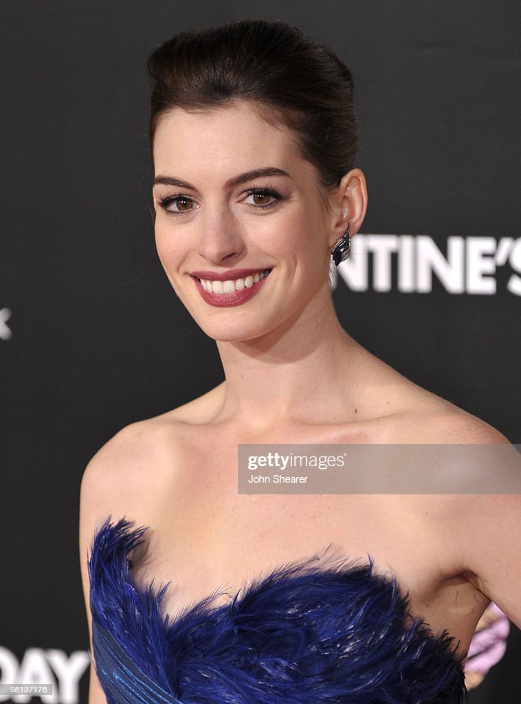 Actress Anne Hathaway arrives at the 'Valentine's Day' Los Angeles premiere held at Grauman's Chinese Theatre on February 8, 2010 in Hollywood, California.
