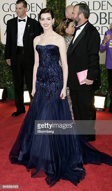 Actress Anne Hathaway arrives for the 66th Annual Golden Globe Awards in Beverly Hills California US on Sunday Jan 11 2009 Heath Ledger received a...