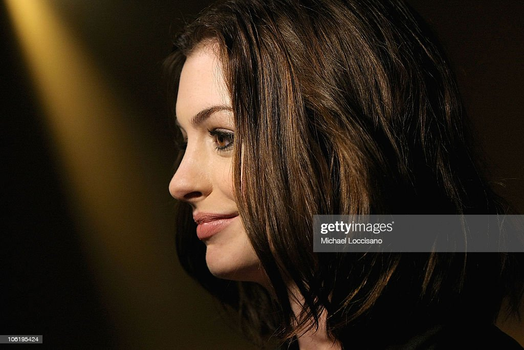 Actress <a gi-track='captionPersonalityLinkClicked' href=/galleries/search?phrase=Anne+Hathaway+-+Attrice&family=editorial&specificpeople=11647173 ng-click='$event.stopPropagation()'>Anne Hathaway</a> attends a screening of 'Rachel Getting Married' hosted by The Cinema Society and Lancome at the Landmark Sunshine Theatre on September 25, 2008 in New York City.