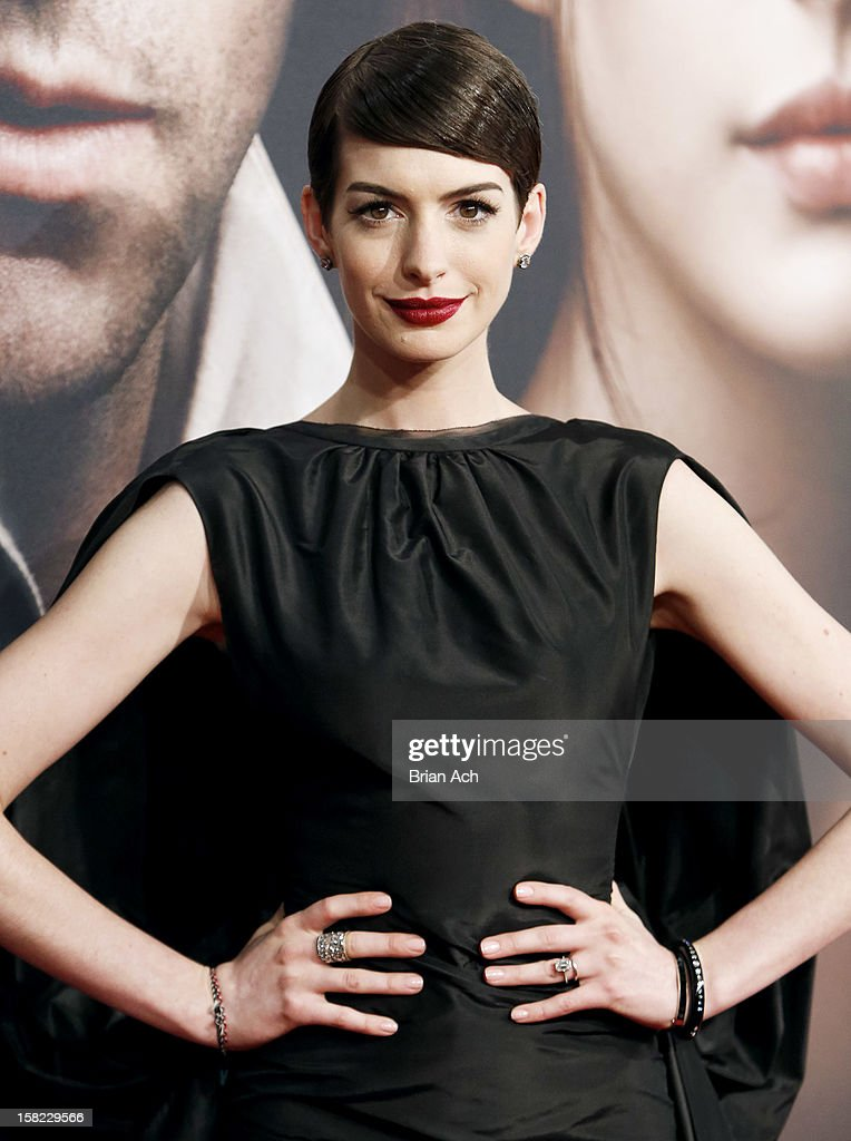 Actress <a gi-track='captionPersonalityLinkClicked' href=/galleries/search?phrase=Anne+Hathaway+-+Actress&family=editorial&specificpeople=11647173 ng-click='$event.stopPropagation()'>Anne Hathaway</a> attends 'Les Miserables' New York premiere at Ziegfeld Theater on December 10, 2012 in New York City.