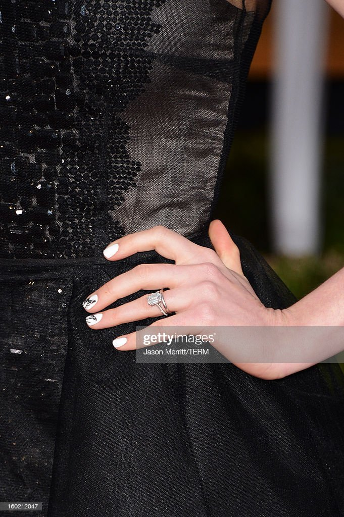 Actress Anne Hathaway (fashion detail) attends the 19th Annual Screen Actors Guild Awards at The Shrine Auditorium on January 27, 2013 in Los Angeles, California. (Photo by Jason Merritt/WireImage) 23116_014_2668.jpg