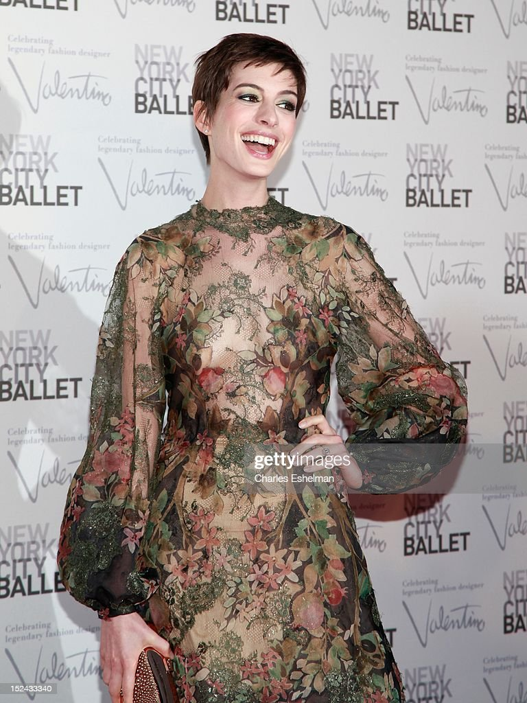 Actress <a gi-track='captionPersonalityLinkClicked' href=/galleries/search?phrase=Anne+Hathaway+-+Actress&family=editorial&specificpeople=11647173 ng-click='$event.stopPropagation()'>Anne Hathaway</a> attends the 2012 New York City Ballet fall gala at David H. Koch Theater, Lincoln Center on September 20, 2012 in New York City.