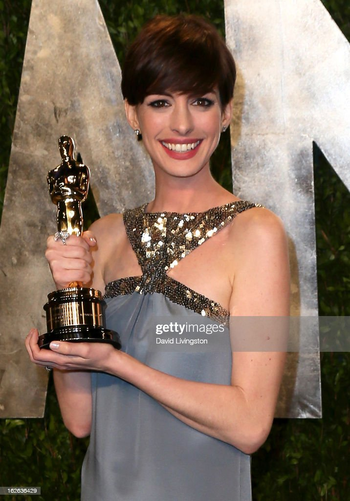 Actress Anne Hathaway attends the 2013 Vanity Fair Oscar Party at the Sunset Tower Hotel on February 24, 2013 in West Hollywood, California.