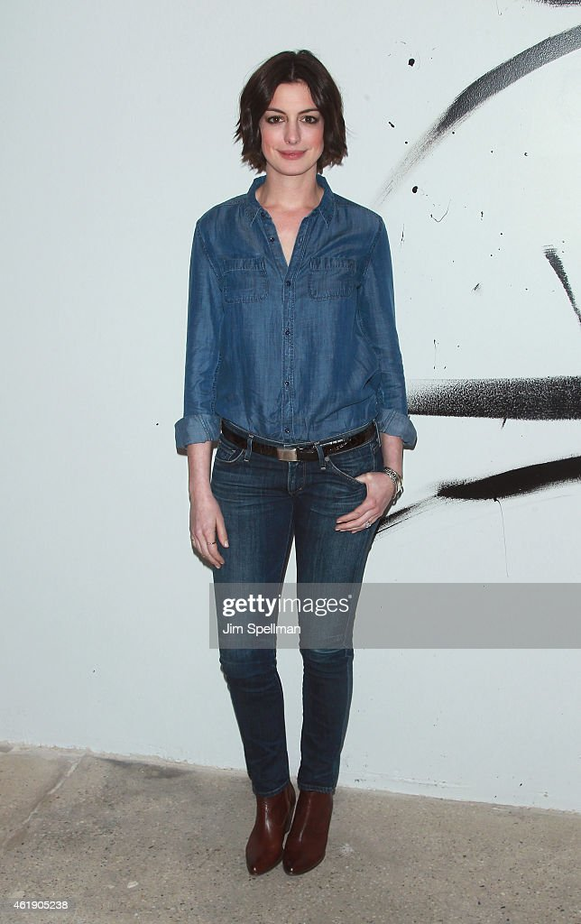 Actress <a gi-track='captionPersonalityLinkClicked' href=/galleries/search?phrase=Anne+Hathaway+-+Atriz&family=editorial&specificpeople=11647173 ng-click='$event.stopPropagation()'>Anne Hathaway</a> attends the AOL Build Speaker Series at AOL Studios In New York on January 21, 2015 in New York City.