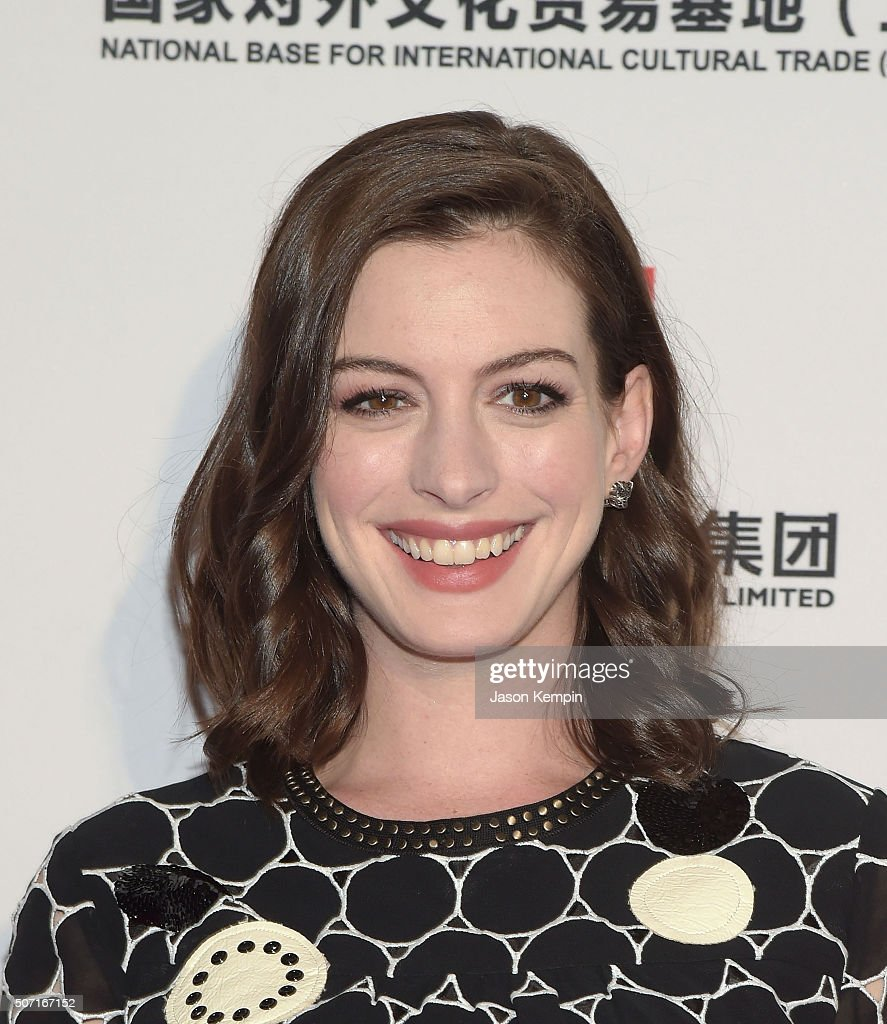 Actress <a gi-track='captionPersonalityLinkClicked' href=/galleries/search?phrase=Anne+Hathaway+-+Actress&family=editorial&specificpeople=11647173 ng-click='$event.stopPropagation()'>Anne Hathaway</a> attends the LA Art Show And Los Angeles Fine Art Show's 2016 Opening Night Premiere Party Benefiting St. Jude Children's Research Hospital at Los Angeles Convention Center on January 27, 2016 in Los Angeles, California.