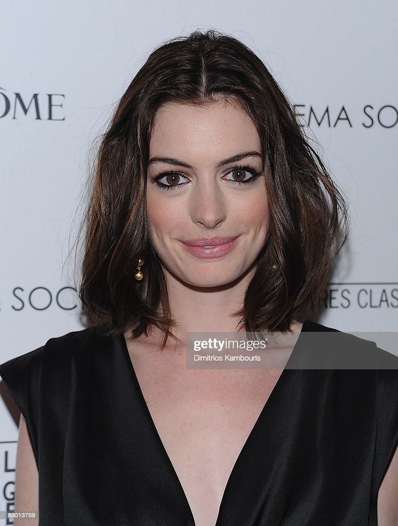 Actress <a gi-track='captionPersonalityLinkClicked' href=/galleries/search?phrase=Anne+Hathaway+-+Actrice&family=editorial&specificpeople=11647173 ng-click='$event.stopPropagation()'>Anne Hathaway</a> attends the Cinema Society and Lancome screening of 'Rachel Getting Married' at the Landmark Sunshine Theater on September 25, 2008 in New York City.