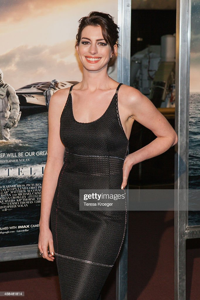Actress Anne Hathaway attends the 'Interstellar' premiere at the National Air and Space Museum on November 5, 2014 in Washington, DC.