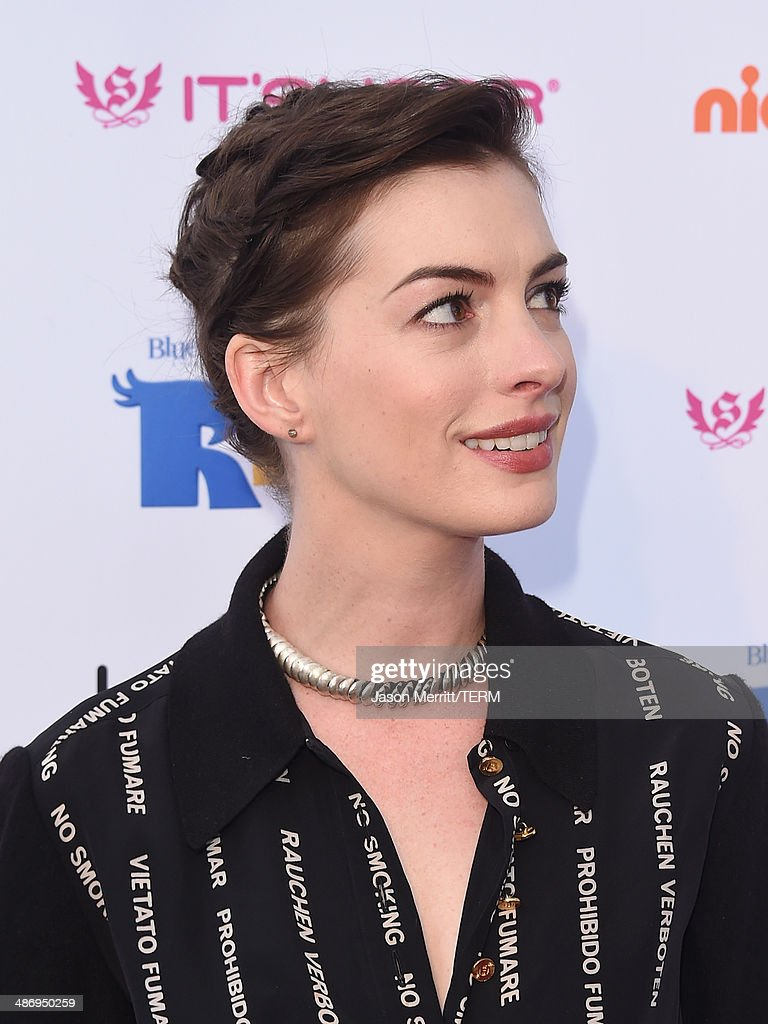 Actress Anne Hathaway attends the Lollipop Theater Network's Night Under The Stars Screening Of Twentieth Century Fox's 'Rio 2' Hosted by Anne Hathaway at Nickelodeon Animation Studio on April 26, 2014 in Burbank, California.