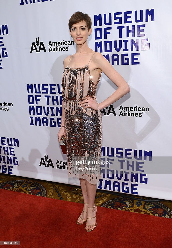Actress <a gi-track='captionPersonalityLinkClicked' href=/galleries/search?phrase=Anne+Hathaway+-+Schauspielerin&family=editorial&specificpeople=11647173 ng-click='$event.stopPropagation()'>Anne Hathaway</a> attends the Museum of Moving Images salute to Hugh Jackman at Cipriani Wall Street on December 11, 2012 in New York City.