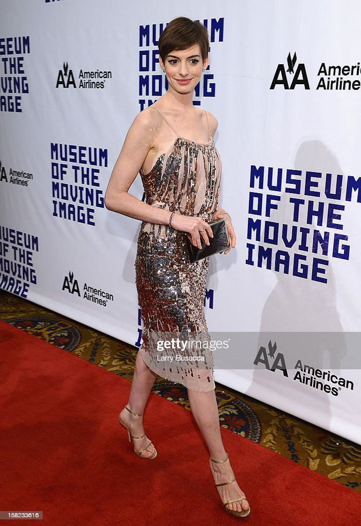Actress <a gi-track='captionPersonalityLinkClicked' href=/galleries/search?phrase=Anne+Hathaway+-+Attrice&family=editorial&specificpeople=11647173 ng-click='$event.stopPropagation()'>Anne Hathaway</a> attends the Museum Of Moving Images Salute To Hugh Jackman at Cipriani Wall Street on December 11, 2012 in New York City.