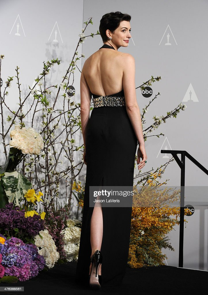Actress <a gi-track='captionPersonalityLinkClicked' href=/galleries/search?phrase=Anne+Hathaway+-+Actress&family=editorial&specificpeople=11647173 ng-click='$event.stopPropagation()'>Anne Hathaway</a> poses in the press room at the 86th annual Academy Awards at Dolby Theatre on March 2, 2014 in Hollywood, California.