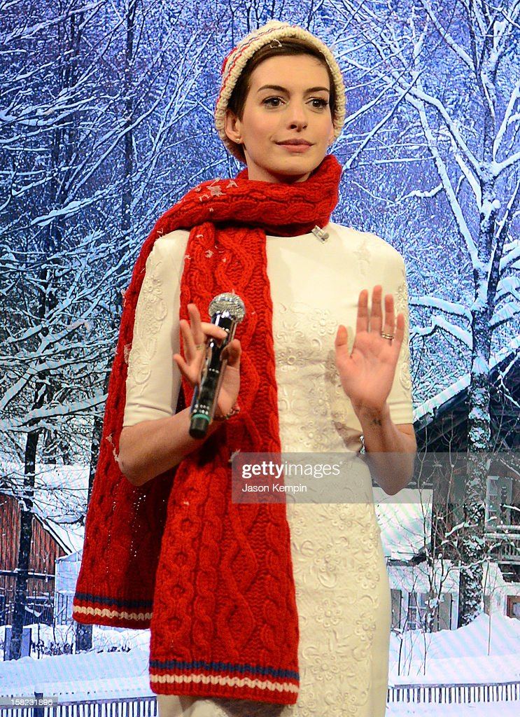 Actress <a gi-track='captionPersonalityLinkClicked' href=/galleries/search?phrase=Anne+Hathaway+-+Actress&family=editorial&specificpeople=11647173 ng-click='$event.stopPropagation()'>Anne Hathaway</a> visits 'Late Night With Jimmy Fallon' at Rockefeller Center on December 11, 2012 in New York City.