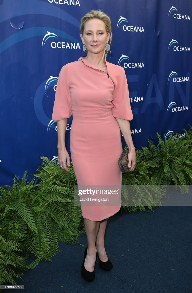 Actress <a gi-track='captionPersonalityLinkClicked' href=/galleries/search?phrase=Anne+Heche&family=editorial&specificpeople=202988 ng-click='$event.stopPropagation()'>Anne Heche</a> attends Oceana's 6th Annual SeaChange Summer Party at Villa di Sogni on August 18, 2013 in Laguna Beach, California.