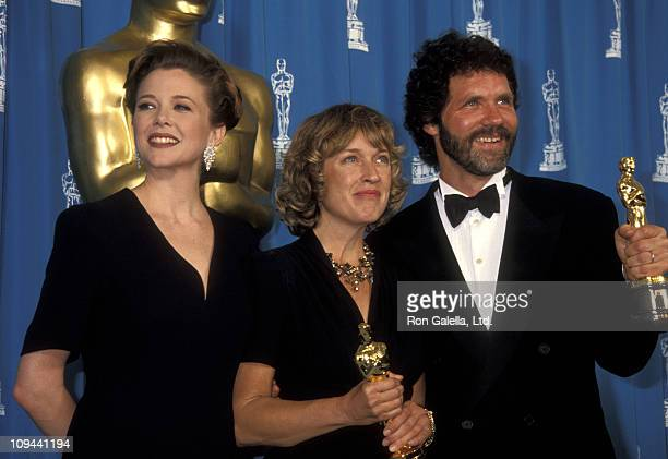 Actress Annette Bening art director Nancy Haigh and art director Dennis Gassner attend the 64th Annual Academy Awards on March 30 1992 at Dorothy...