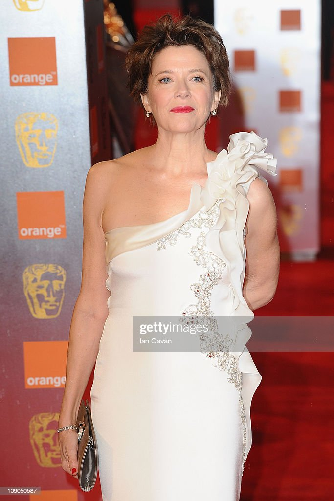 Actress <a gi-track='captionPersonalityLinkClicked' href=/galleries/search?phrase=Annette+Bening&family=editorial&specificpeople=202568 ng-click='$event.stopPropagation()'>Annette Bening</a> attends the 2011 Orange British Academy Film Awards at The Royal Opera House on February 13, 2011 in London, England.