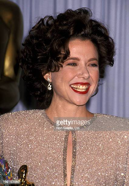 Actress Annette Bening attends the 63rd Annual Academy Awards on March 25 1991 at Shrine Auditorium in Los Angeles California