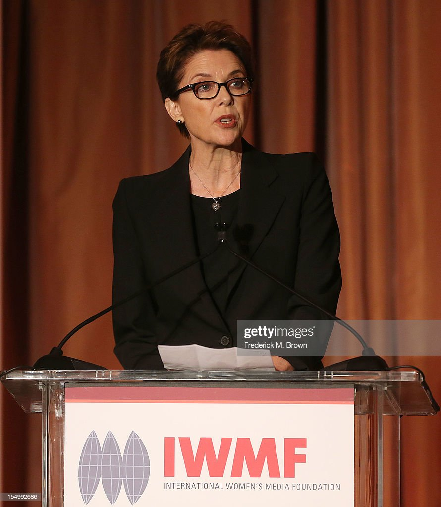Actress <a gi-track='captionPersonalityLinkClicked' href=/galleries/search?phrase=Annette+Bening&family=editorial&specificpeople=202568 ng-click='$event.stopPropagation()'>Annette Bening</a> speaks during the 2012 International Women's Media Foundation's Courage In Journalism Awards at The Beverly Hills Hotel on October 29, 2012 in Beverly Hills, California.